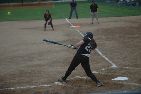 Varsity Softball competes in playoffs