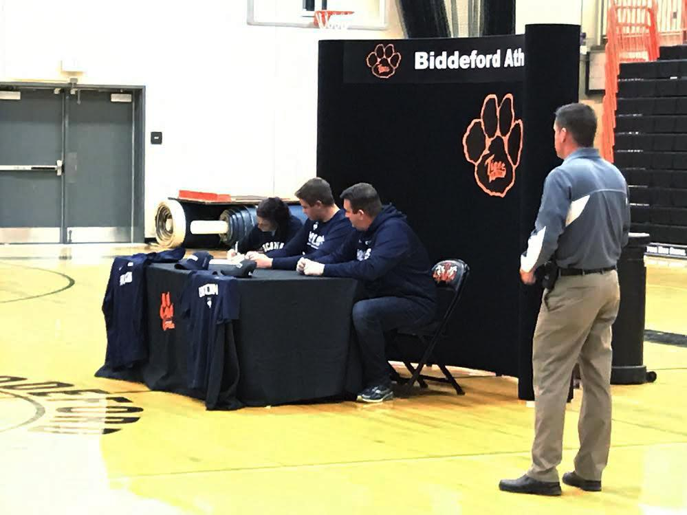 Matt Brady signs to UConn.
